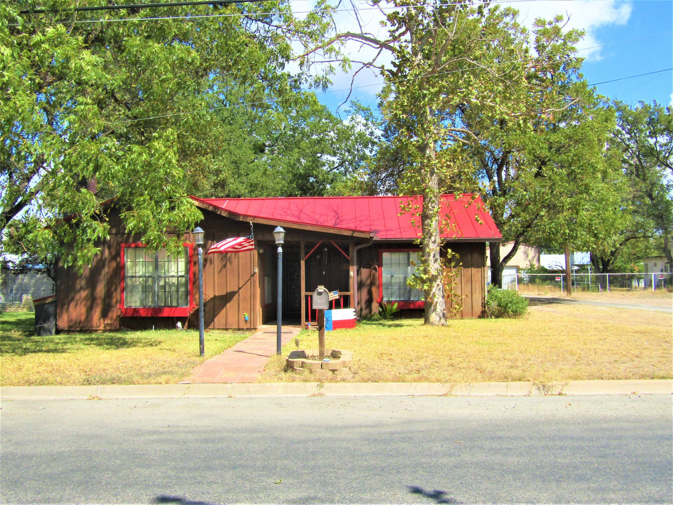 705 Water Ave. -Sonora